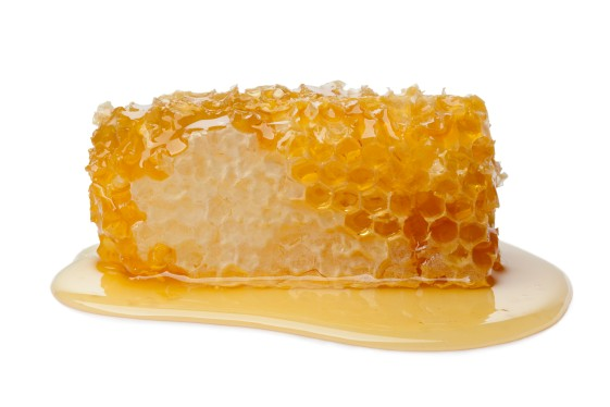 """manuka honey , Honey Contains Some Nutrients.,High-Quality Honey Is Rich in Antioxidants., Honey Is """"Less Bad"""" Than Sugar for Diabetics. , The Antioxidants in It Can Help Lower Blood Pressure, Honey Also Helps Improve Cholesterol, Honey Can Lower Triglycerides, How much honey should I eat a day? Can I use honey everyday? What does honey do to the Virgina? , benefits of honey for skin, benefits of honey for men, health benefits of raw honey, benefits of honey and milk, how much honey a day ,benefits of honey and lemon ,is a spoonful of honey, a day good for you"""
