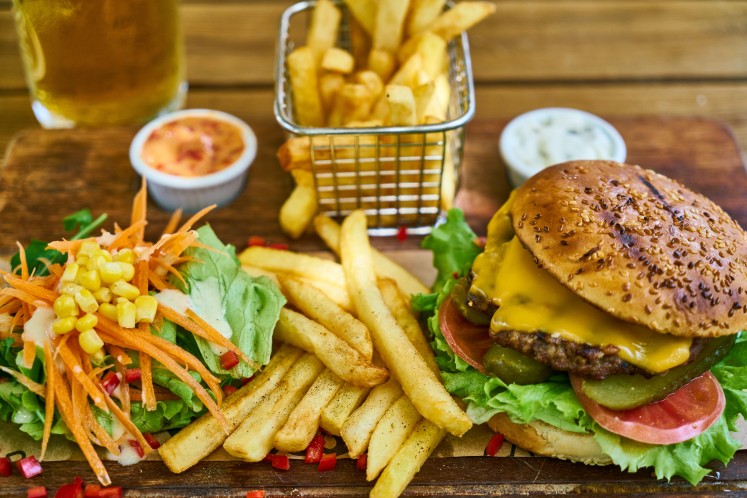 fast food, junk food,  food to avoid fat belly, 8 Foods That Creates Belly Fat